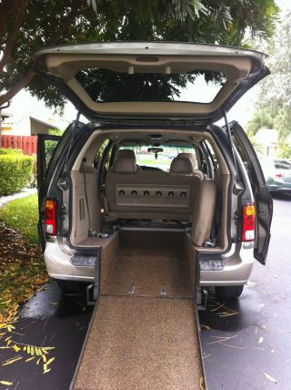 2002 Ford Windstar Rear Entry Wheelchair Van photo