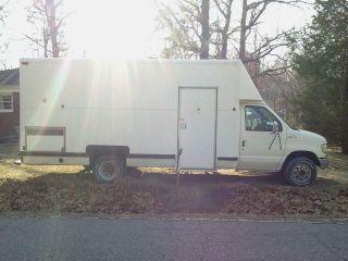 1993 White Utilimaster Ford E - 350 Box Truck {hard To Find} Rare photo