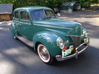 1940 Ford Deluxe Sedan photo