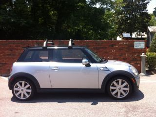2007 Mini Cooper S Hatchback 2 - Door 1.  6l photo