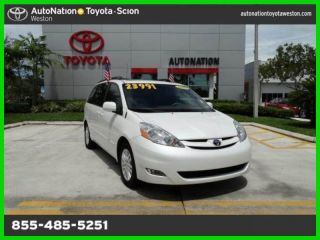 2010 Xle 3.  5l V6 24v Automatic Front Wheel Drive Minivan / Van photo