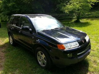 2005 Saturn Vue,  Automatic V6,  Black,  4 - Door,  All Wheel Drive photo