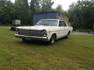 1966 Ford Galaxie 500 352 V - 8 photo