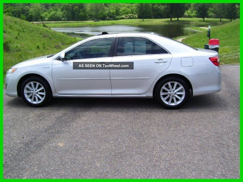 2012 Xle 2.  5l I4 16v Fwd Sedan Camry photo