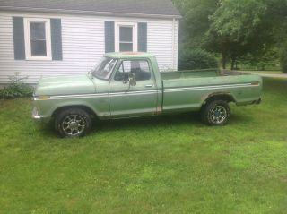 1973 Ford Truck F250 300 Six Cylinder photo