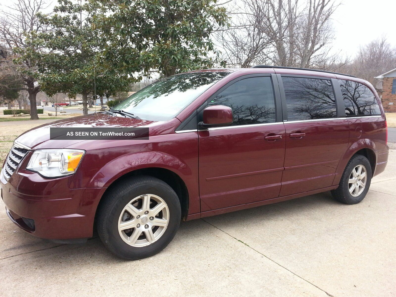 2008 Chrysler Town & Country Touring. . . Town & Country photo