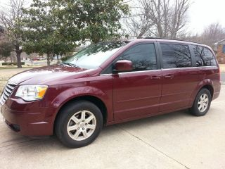 2008 Chrysler Town & Country Touring. . . photo
