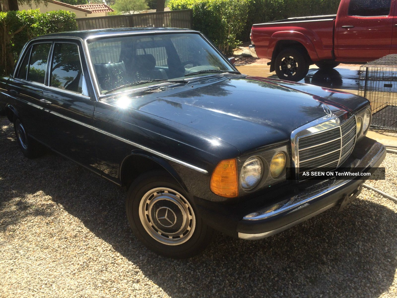 1981 mercedes 240d navy blue for Mercedes benz 240 d