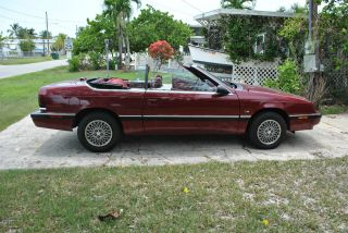 1990 Chrysler Lebaron photo