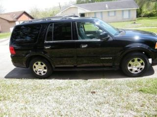 2006 Lincoln Navigator Luxury Sport Utility 4 - Door 5.  4l photo