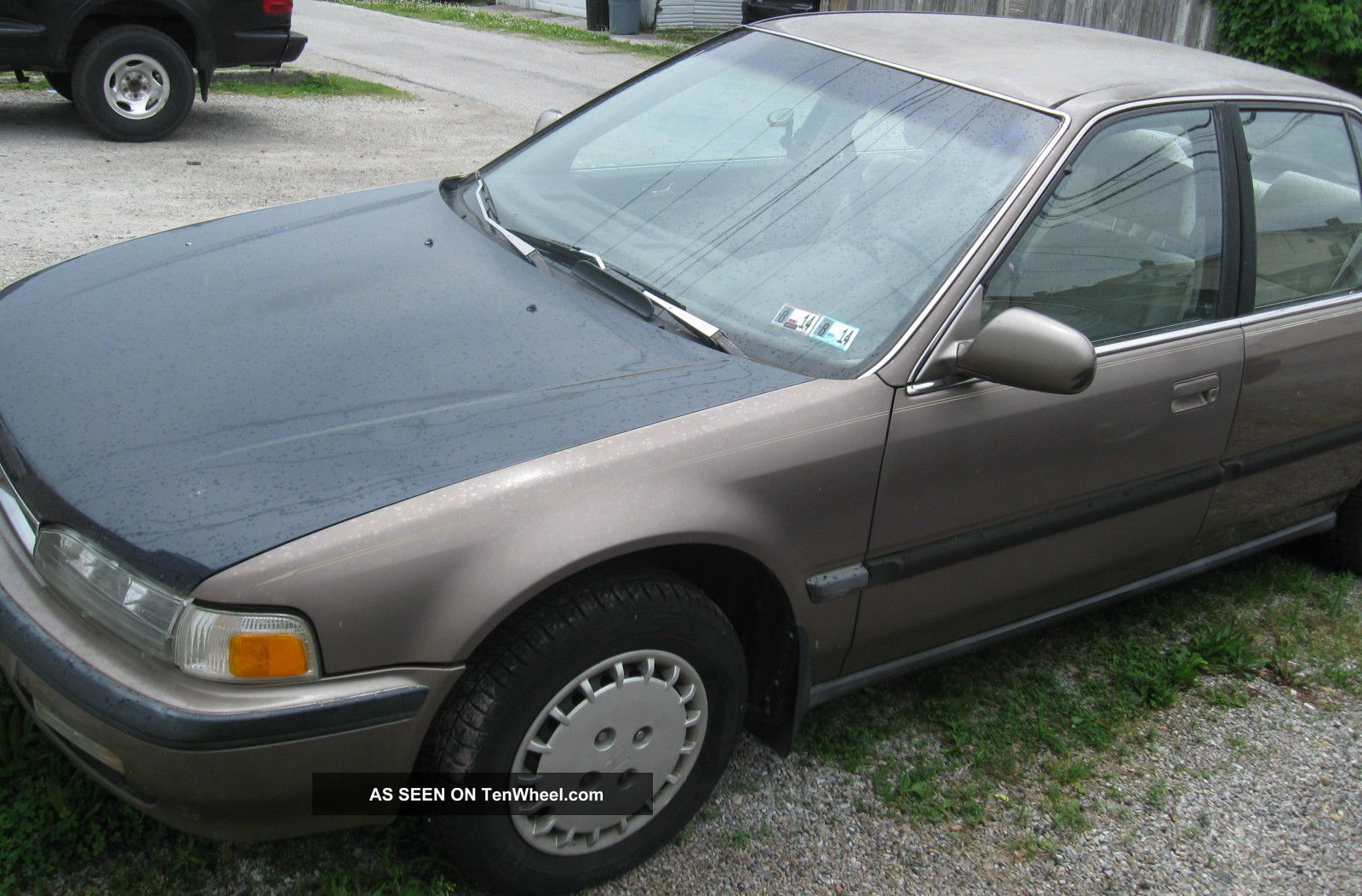 91 Honda Accord Lx 4 Door Sedan Automatic Running Needs Minor Work 165k 1991 Accord photo