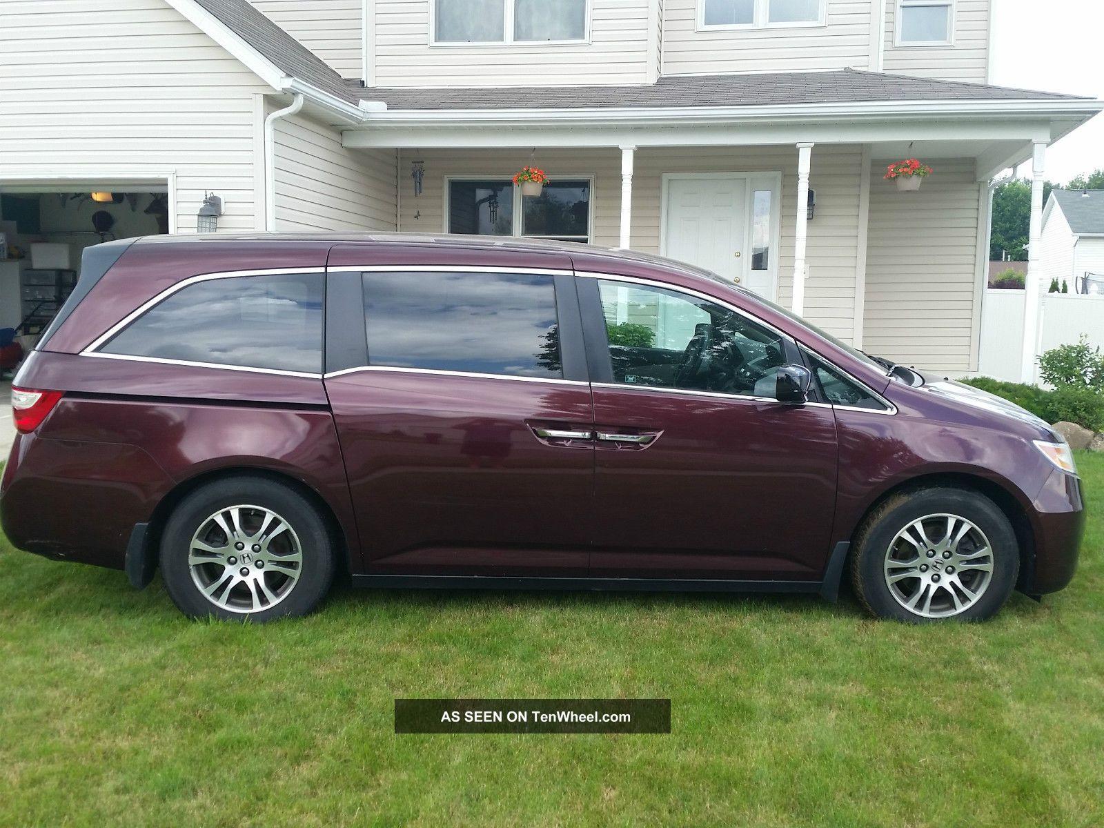 2011 Honda Odyssey Ex Mini Passenger Van 4 - Door 3.  5l Odyssey photo