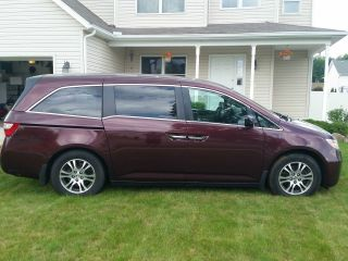 2011 Honda Odyssey Ex Mini Passenger Van 4 - Door 3.  5l photo