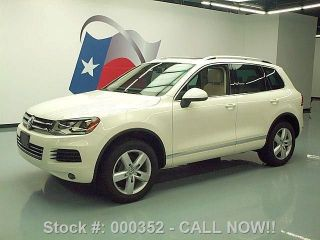 2011 Volkswagen Touareg Vr6 Lux Awd Pano Roof 45k Texas Direct Auto photo