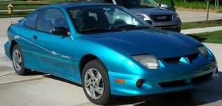 2000 Pontiac Sunfire Se Coupe 2 - Door 2.  2l photo