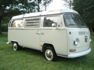 1968 Volkswagen Westfalia photo