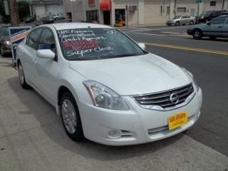 2011 Nissan Altima S Sedan 4 - Door 2.  5l photo