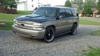 2001 Chevrolet Tahoe Ls 5.  3l 4wd photo