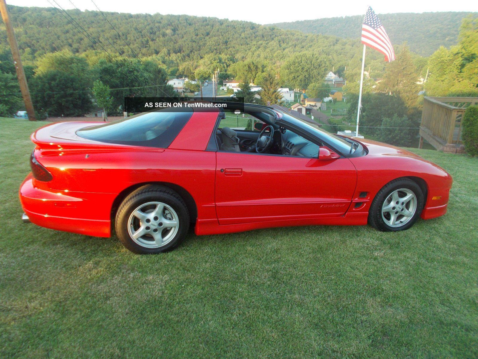 1999 Pontiac Firebird Base Coupe 2 - Door 3.  8l Firebird photo