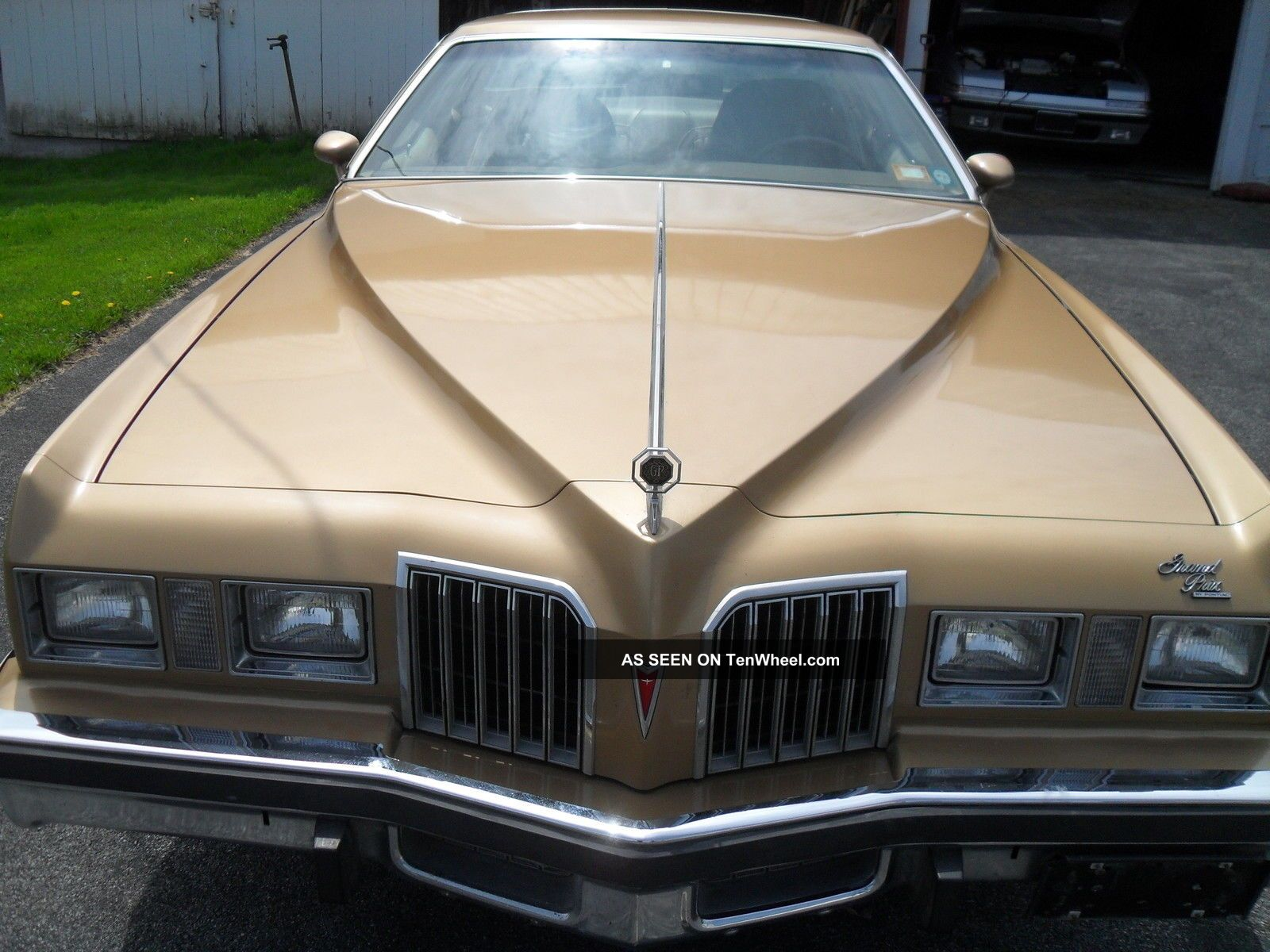 1977 Pontiac Grand Prix Lj Series Grand Prix photo