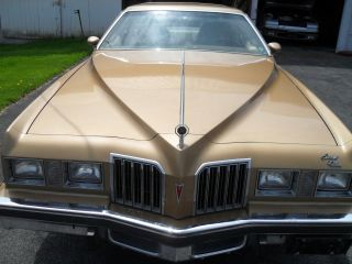1977 Pontiac Grand Prix Lj Series photo