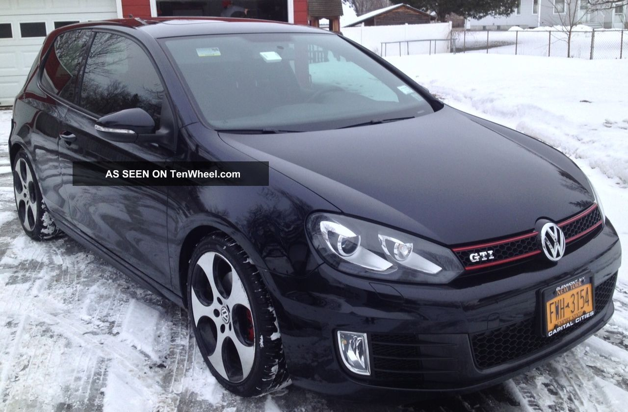 Black 2010 Volkswagen Gti 2dr Golf photo