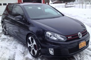 Black 2010 Volkswagen Gti 2dr photo