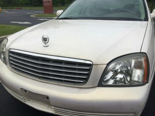 2005 Cadillac Deville Base Sedan 4 - Door 4.  6l photo