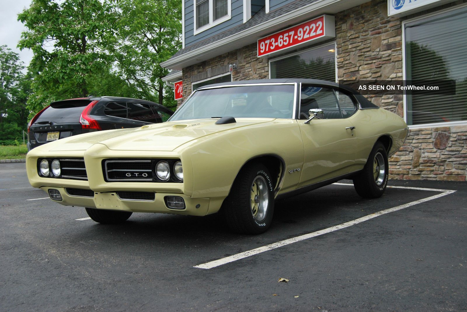 1969 pontiac gto 4 speed factory a c phs docs numbers match. Black Bedroom Furniture Sets. Home Design Ideas