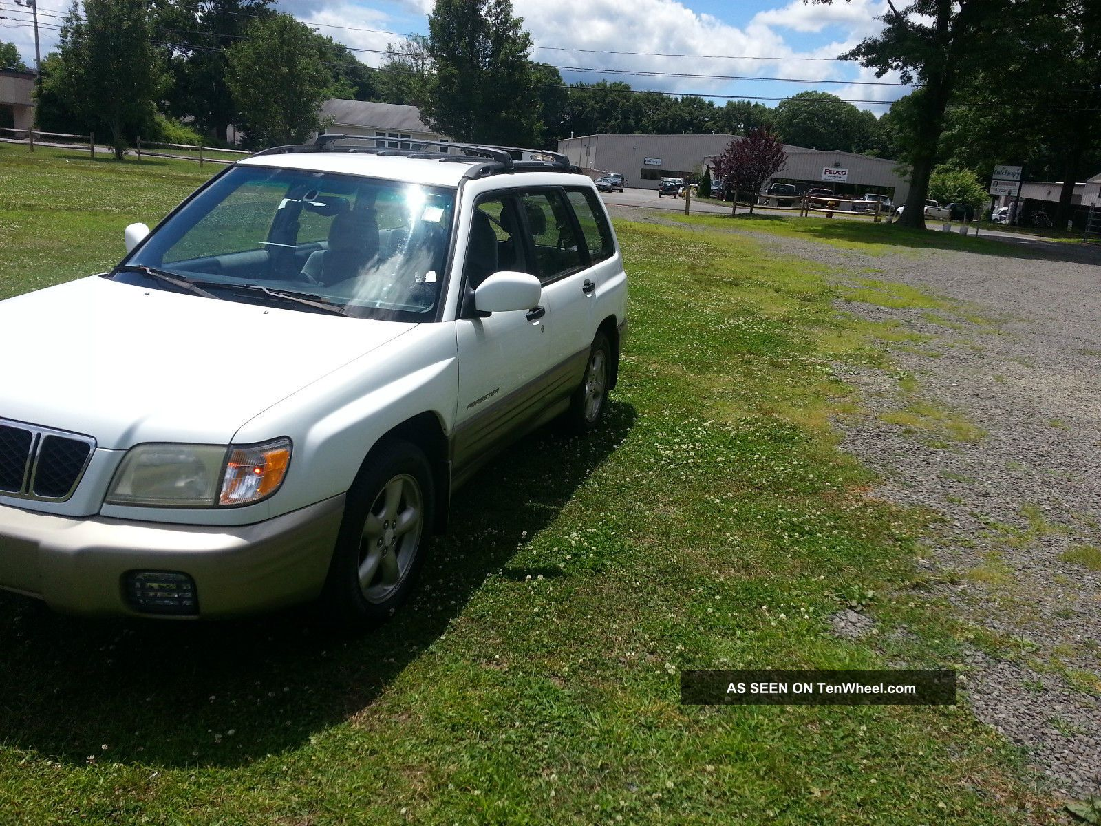 2001 Subaru Forester S Wagon 4 - Door 2.  5l Forester photo