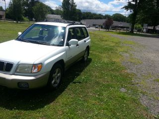 2001 Subaru Forester S Wagon 4 - Door 2.  5l photo