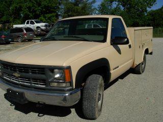 2000 Chevy Tool Truck 4x4 3 / 4 Ton photo