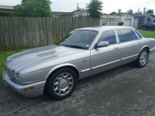2000 Jaguar Sedan 4 - Door 4.  0l photo