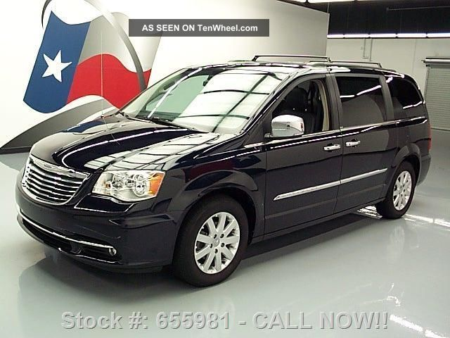 2011 Chrysler Town & Country Touring - L Dvd 27k Texas Direct Auto Town & Country photo