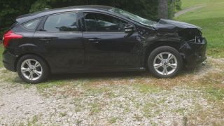Black 2013 Ford Focus Hatchback Wrecked Rebuildable photo
