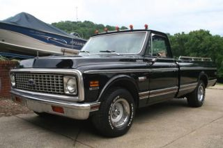 1972 Chevy C10 Cheyenne Showtruck photo