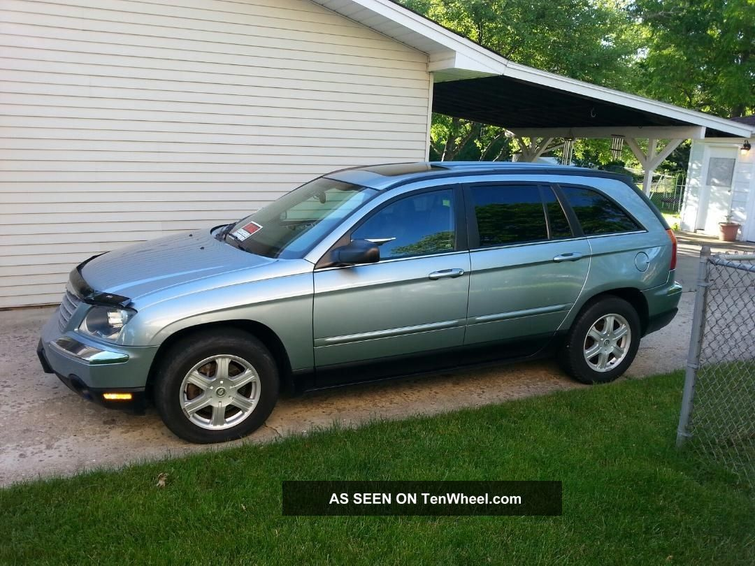 2005 Chrysler Pacifica Touring Sport Utility 4 - Door 3.  5l Pacifica photo