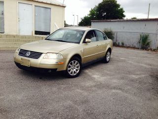 2001 Volkswagen Passat Gls Sedan 4 - Door 1.  8l photo