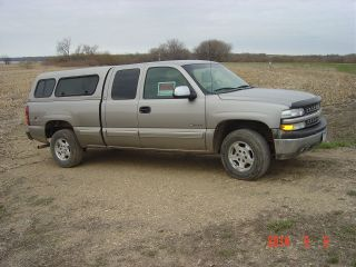 2001 Chevy Silverado 1500 4x4 Ext Cab 188,  500 Mi Lt Pewter Met Topper Windows photo
