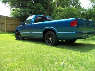 2001 Chevrolet S10 4.  3 2wd photo