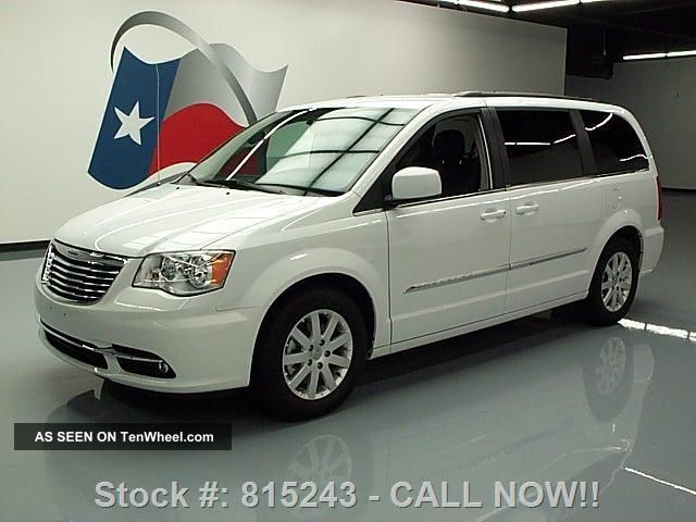 2013 Chrysler Town & Country Touring Dvd 13k Mi Texas Direct Auto Town & Country photo