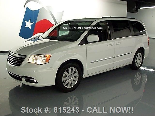 2013 chrysler town country touring dvd 13k mi texas direct auto. Black Bedroom Furniture Sets. Home Design Ideas