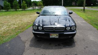 2004 Jaguar Xj8 Base Sedan 4 - Door 4.  2l photo