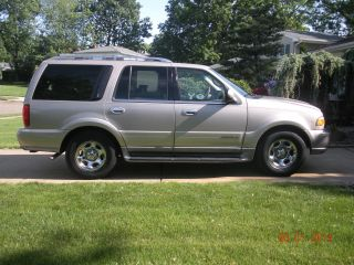 2000 Lincoln Navigator Base Sport Utility 4 - Door 5.  4l photo