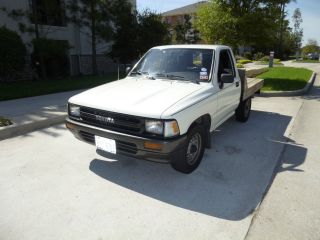 1989 Toyota Pickup Base Standard Cab Pickup 2 - Door 2.  4l photo