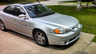 2002 Pontiac Grand Am Gt Sedan 4 - Door 3.  4l photo