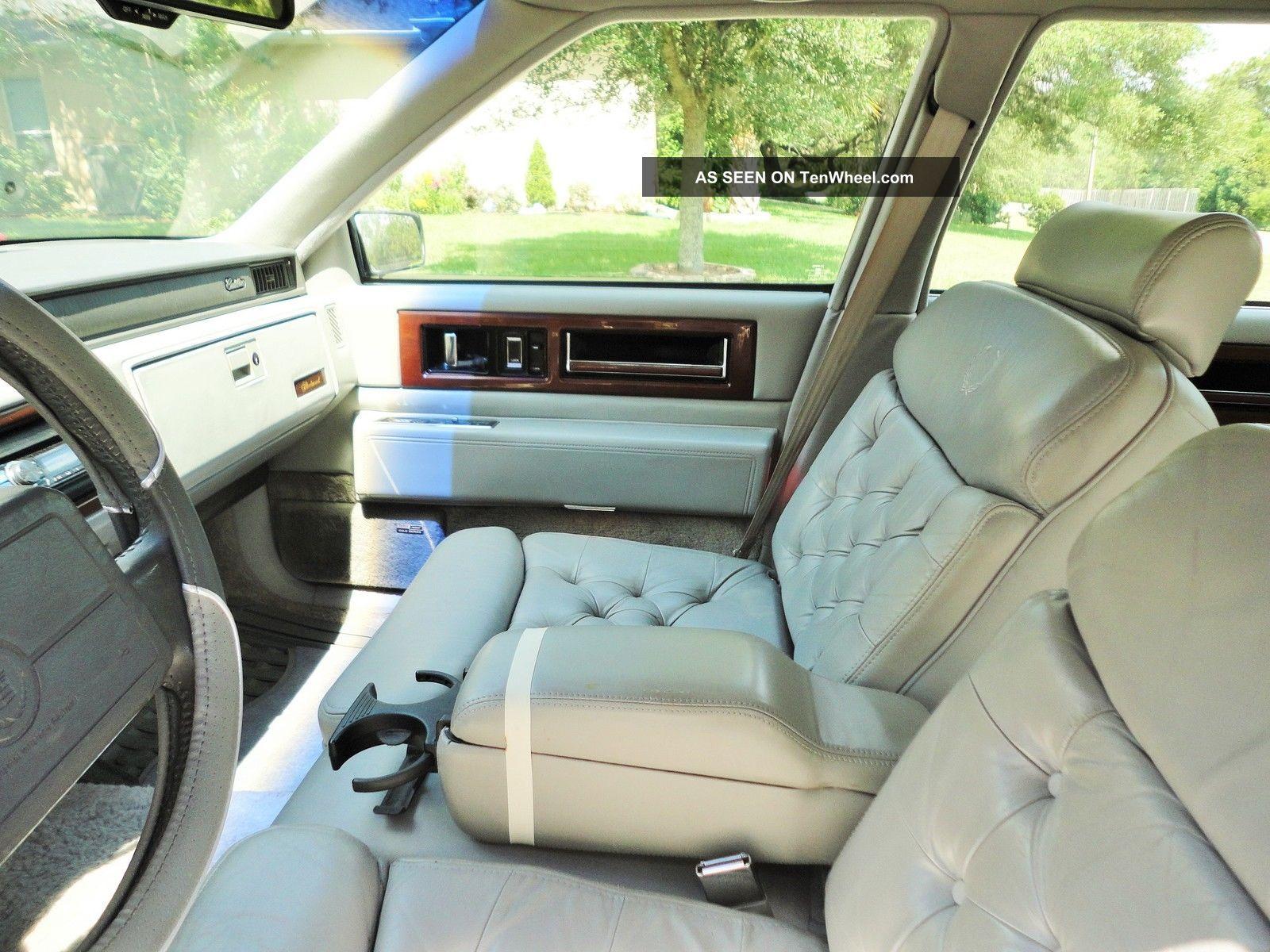 1992 Cadillac Fleetwood Base Sedan 4 Door 4 9l