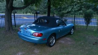 2001 Mazda Mx5 Miata 32.  000mi Showroom Condition photo