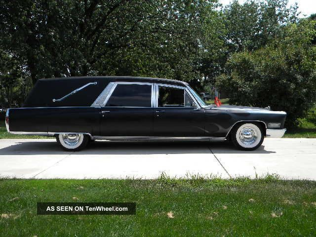 1968 Cadillac Superior Hearse