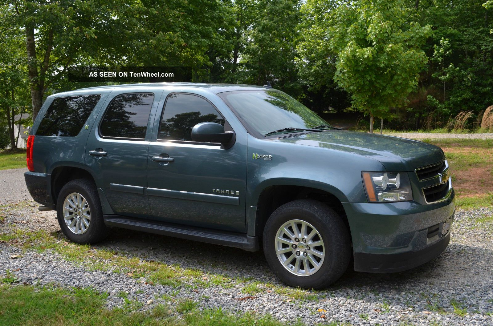Car Picker  blue chevrolet Tahoe Hybrid